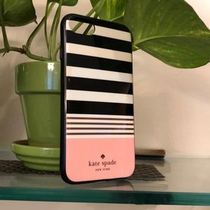 ⚫️⚪️💗Kate spade iPhone 8 phone case